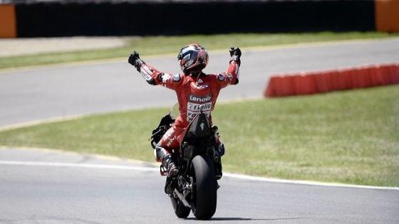 MotoGp, Gp Italia: la prima volta di Petrucci, trionfo al Mugello davanti a Marquez e Dovizioso