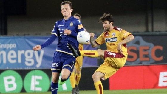 Serie B, Verona-Cittadella 3-0: l'Hellas torna in A
