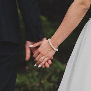 Matrimoni sempre più cari: almeno 37 mila euro per le nozze