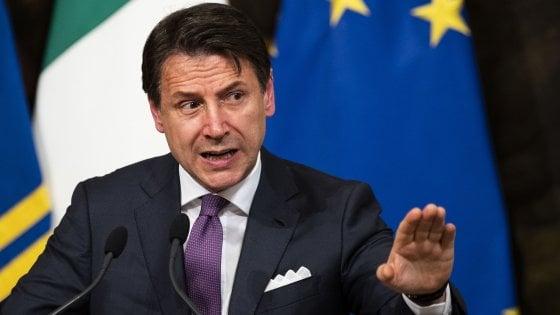 """Governo, Conte: """"Basta provocazioni o mi dimetto. Regole Ue vanno rispettate"""""""