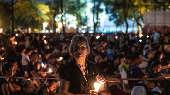 "Hong Kong celebra Tienanmen: ""Non arrendersi mai"""