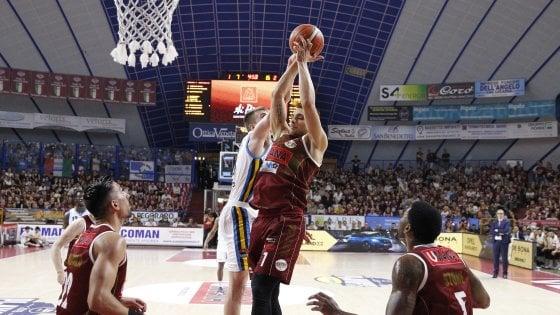 Basket, playoff serie A: Venezia trascina Cremona a gara-5