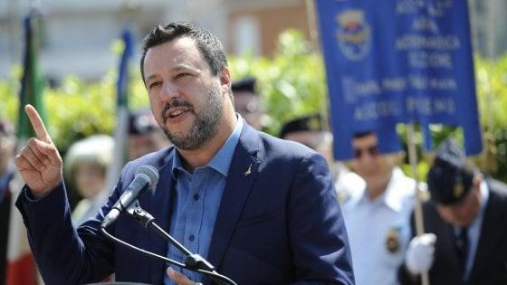 """Salvini: """"Non faccio liste di giudici, ma chi fa politica si candidi"""""""