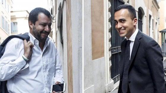 """Di Maio dopo il faccia a faccia con Salvini: """"Avanti per combattere"""". Tasse, cantieri, autonomie, sicurezza i dossier caldi del governo"""