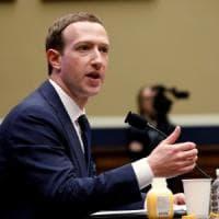 Huawei nella lista nera Usa, Facebook non preinstallerà le sue app sui telefoni
