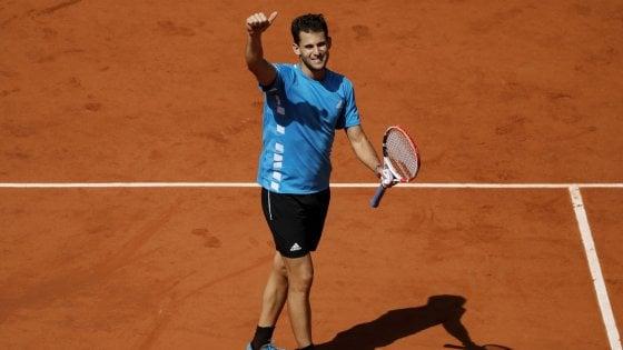 Tennis, Roland Garros: Thiem batte Djokovic in cinque set, finale contro Nadal