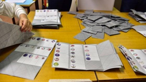 Ballottaggi, affluenza crolla di 16 punti: alle urne appena il 52% degli elettori