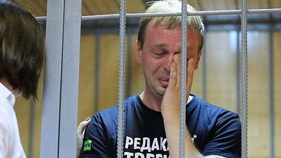 Russia, giornalista d'inchiesta Golunov agli arresti domiciliari