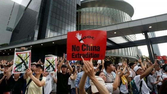 Hong Kong, scontri alla manifestazione contro l'estradizione forzata