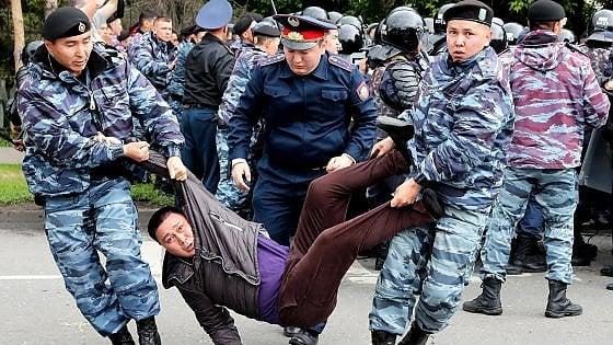 Kazakhstan, centinaia di arresti nel giorno delle presidenziali