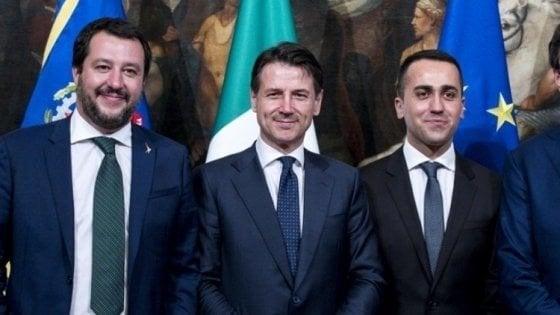 """Vertice Conte e vicepremier. Salvini: """"Il governo va avanti"""". Di Maio: """"Priorità abbassare le tasse"""""""