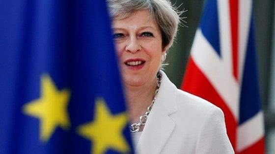 Inizia la corsa per il dopo May: a sorpresa la ministra del Lavoro Amber Rudd appoggia il ministro degli Esteri Jeremy Hunt