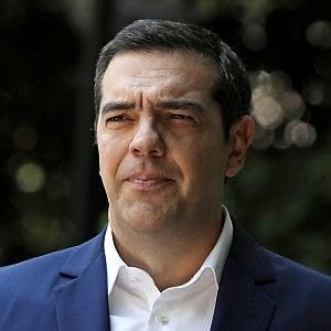 La Grecia avvia la corsa alle urne. Tsipras cerca la (difficile) rimonta