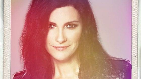 """Laura Pausini, la pubblicità è un fake: """"Attenzione a chi sfrutta le vostre debolezze"""""""
