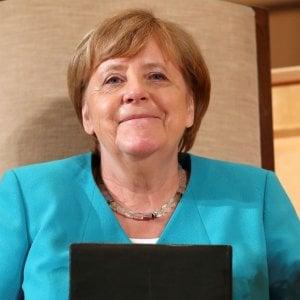 Germania, Merkel era una spia della Stasi, leggenda nera tra fake news e storia