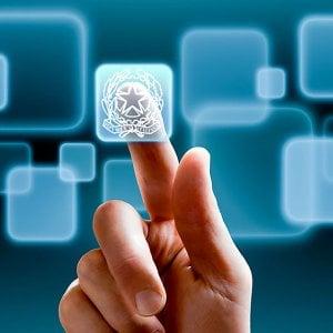 È legge il decreto concretezza, impronte digitali al posto del cartellino contro i furbetti