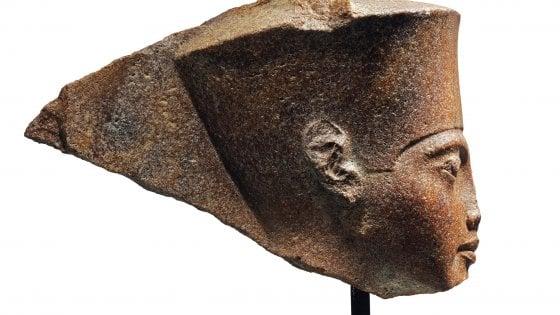 """Gran Bretagna, all'asta statua di Tutankhamon. L'Egitto: """"No alla vendita. E' stata rubata"""""""