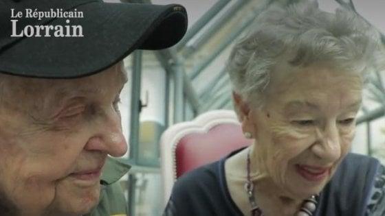 Francia: separati dalla guerra, si ritrovano dopo 75 anni. La storia d'amore di Jeanine e Kara