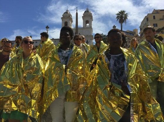 Roma, flashmob a Trinità dei Monti contro il decreto sicurezza