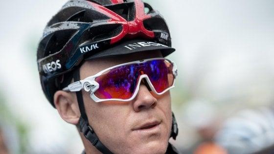 Ciclismo, Froome operato dopo la caduta: è in terapia intensiva