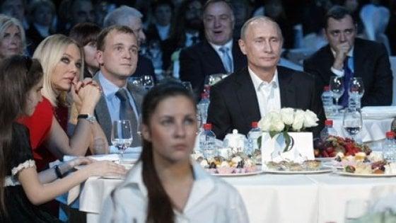 Ornella Muti a cena con Vladimir Putin invece che sul palco: condannata per tentata truffa