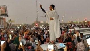 """Sudan, le """"Regine della Rivoluzione"""" che vogliono costruire un altro Paese"""