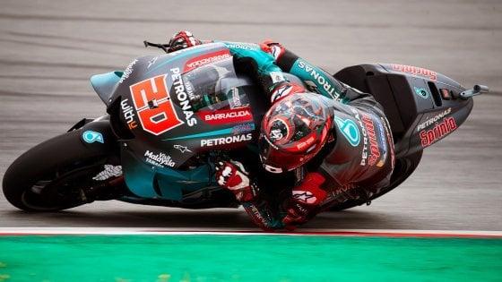 MotoGp di Barcellona, nelle libere Marquez è dietro Rossi. Quartararo il più veloce