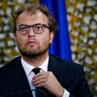 """Caos procure, Lotti a Zingaretti: """"Mi autosospendo dal Pd"""". Il segretario dem: """"Grazie..."""