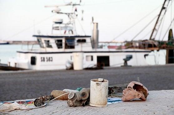 """Tra i pescatori di San Benedetto: """"Siamo noi gli unici spazzini del mare"""""""