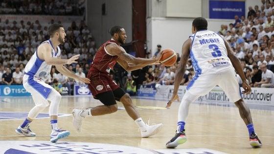Basket, finale scudetto: Venezia passa a Sassari e torna in vantaggio nella serie