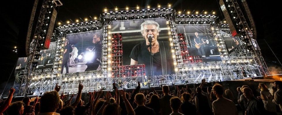 """Ligabue riparte da Bari, il tour negli stadi nel segno del rock: """"Ogni volta è il primo concerto"""""""