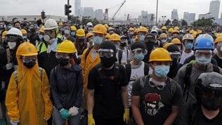 La protesta ha vinto: congelata legge su estradizione in Cina