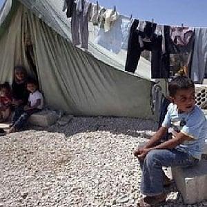 Libano, demoliscono le case nel campo dei profughi siriani di Arsal: lincerto futuro per migliaia di famiglie