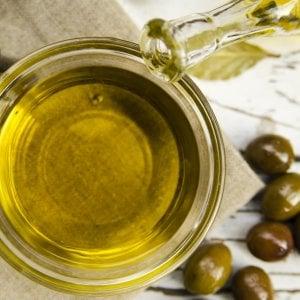 Olio d'oliva, il Crea lancia la prima etichetta per ciechi e ipovedenti