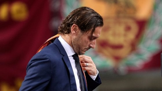 Totti, addio alla Roma: lunedì conferenza stampa
