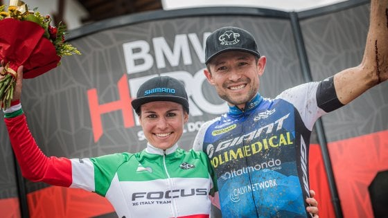 Mountain bike, Hero Dolomites: Paez è imbattibile, prima gioia per Mara Fumagalli