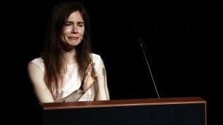 """Amanda Knox: """"Non sono un mostro, in carcere ho pensato al suicidio"""" video"""