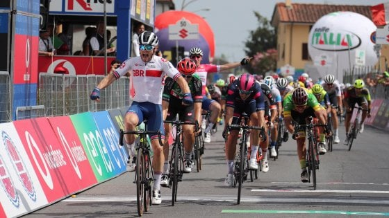 Ciclismo, Giro d'Italia U23: Walls conquista la seconda tappa. Hayter ancora in rosa