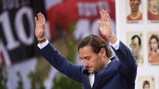 Totti, è addio alla Roma: lunedì l'annuncio. Fallito il tentativo di Pallotta di ricucire