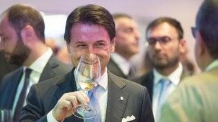 """Rep: Il premier all'angolo punta allo scambio: """"Correzione dei conti ma dopo le nomine Ue"""""""