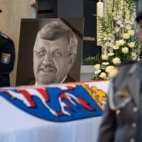 Germania, arrestato un 45enne dell'ultradestra per l'omicidio di Walter Luebcke, il...