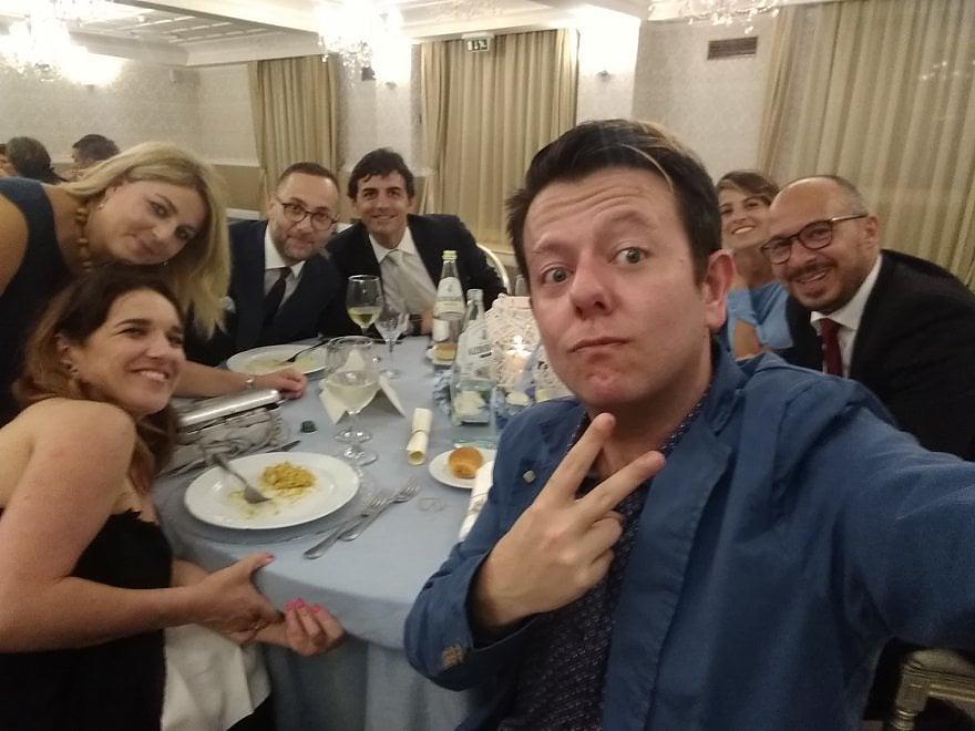 """""""Nicola, stai sereno"""": il selfie ironico dei """"lottiani"""" dedicato a Zingaretti"""