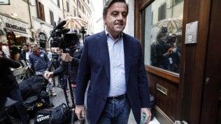 Pd, renziani contro Zingaretti. Rosato: Manca leadership. Boschi: Attacchi interni contro Lotti. Calenda: Mi vergogno