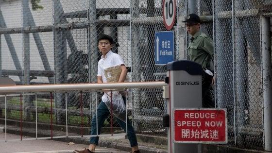 Hong Kong, rilasciato Joshua Wong il leader della protesta degli ombrelli