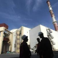 """La sfida dell'Iran: """"Tra 10 giorni superiamo limiti di riserve uranio consentiti"""""""
