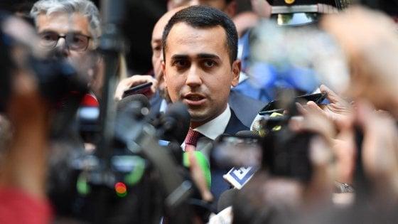 """Di Maio riunisce ministri 5S, rilancia conflitto di interessi e salario minimo. Poi avverte la Lega: """"Dl dignità non si tocca"""""""