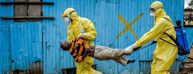 Ebola, il virus si diffonde, fa paura e crea allarme: ma per lOMS non è emergenza, Troppi rischi economici