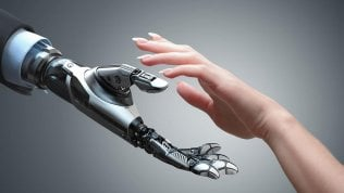 """Il robot impara col tatto e """"prova"""" le sensazioni guardando le cose"""