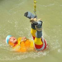 Scompare nel fiume il mago indiano Mandrake, voleva imitare il suo mito Houdini