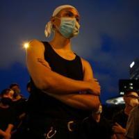 Hong Kong, dopo la marcia dei due milioni ora la piazza vuole le dimissioni di Lam